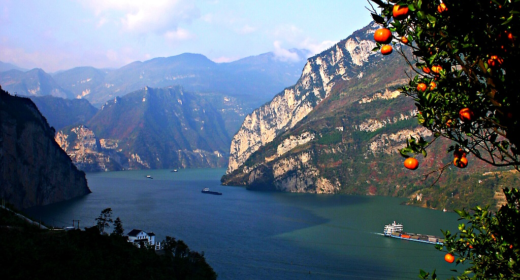 """中国经济的""""三峡河段"""""""