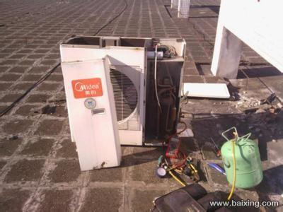 空调移机拆卸室内机时