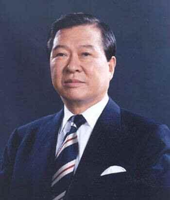 韩国前总统金大中吊唁金正日