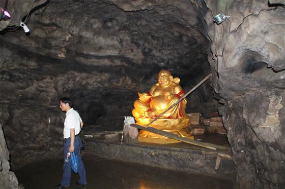 古佛洞里的钟乳石   金佛山风景区位于重庆市南川区境内,面积441平方