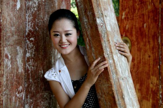 天水市歌舞团青年歌唱演员徐维涵写真
