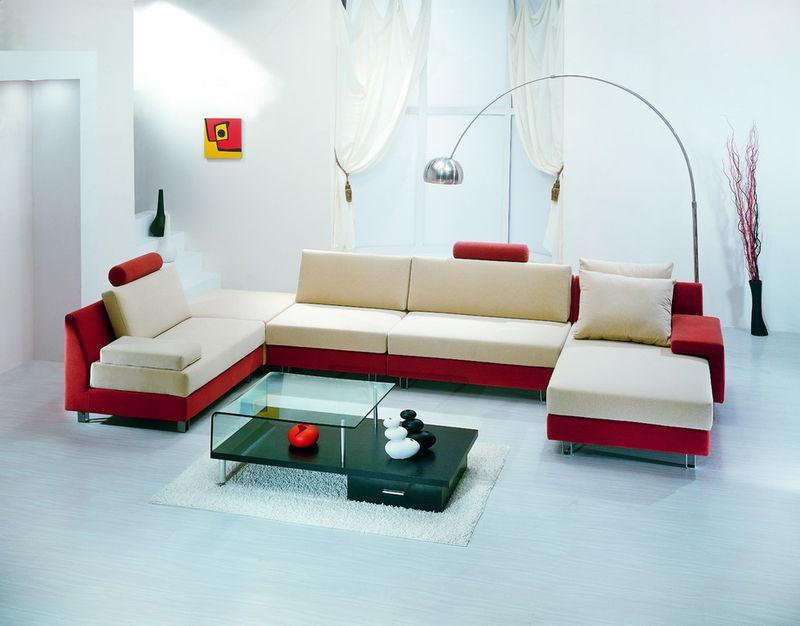 以蛇形弹簧及绷带以90㎜为间隔,固定在沙发的座前和座后的结构木方上